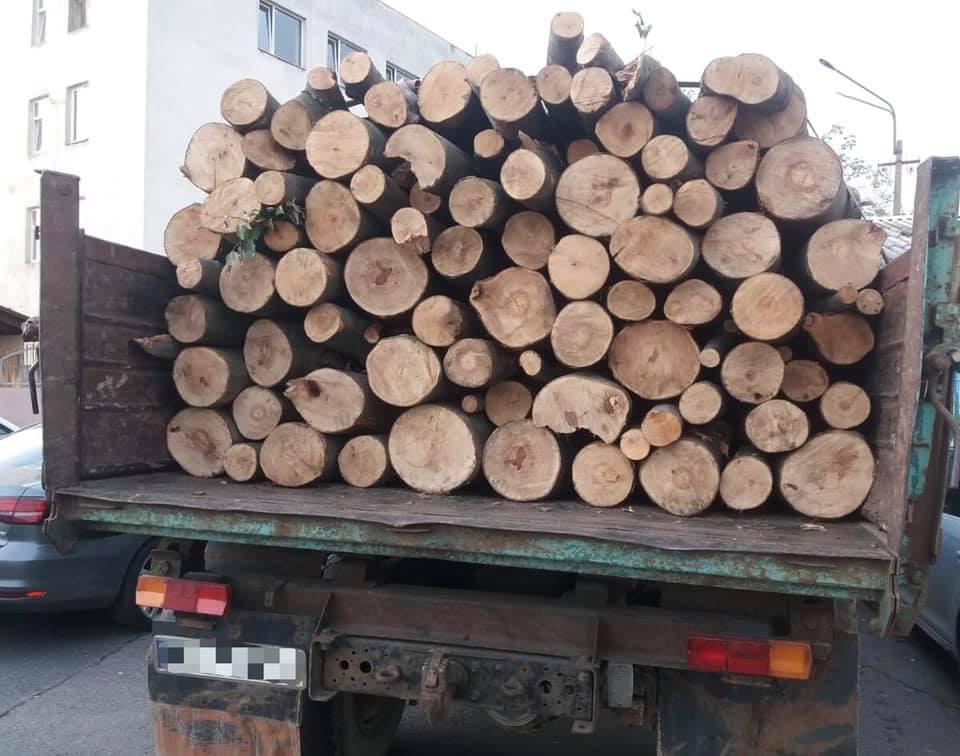 Виявили вантажівку неподалік села Ключарки Мукачівського району.