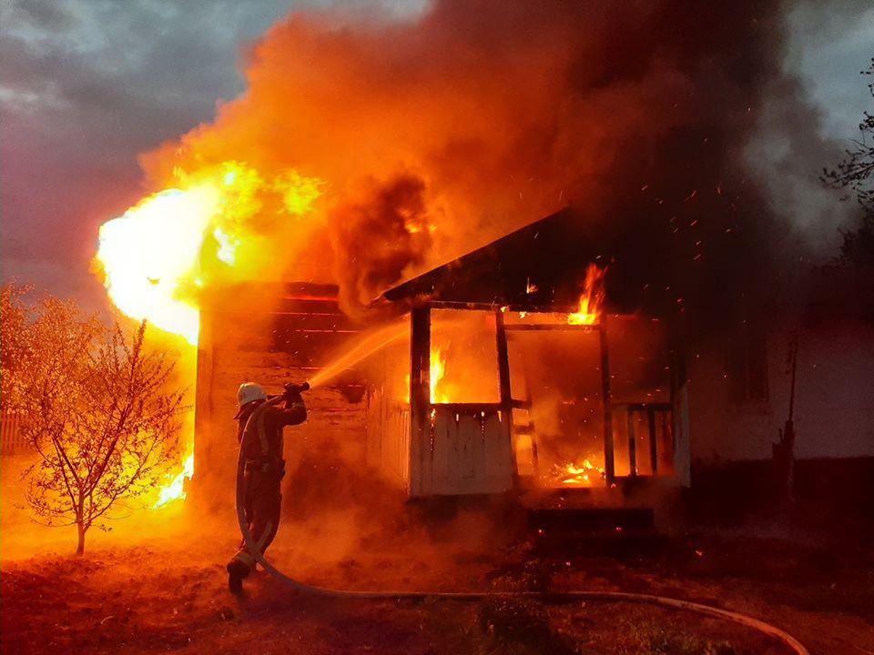 Нищівна пожежа сталася в ніч на 20 вересня, в с. Верхній Бистрий Міжгірської територіальної громади.