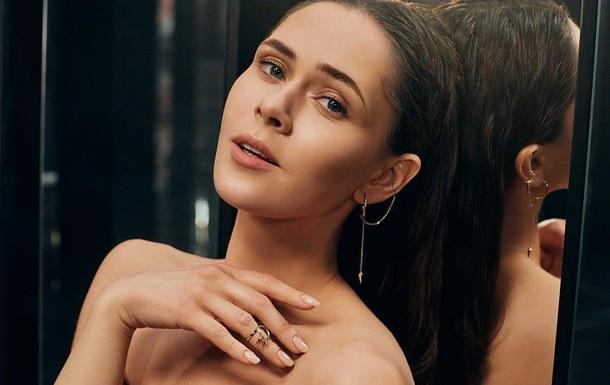Солістка взяла участь у розкішній фотосесії модного українського глянцю з нагоди недавнього випуску нового альбому.
