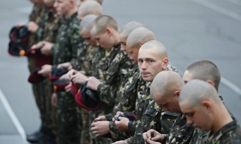 Призовників, що не з'являться до військомату за повісткою, буде шукати поліція