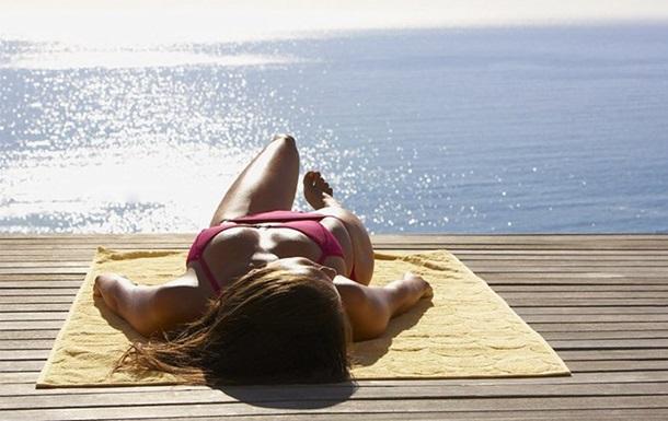 Великі дози вітаміну D можуть бути шкідливими для здоров'я, тому засмагати Супрун рекомендує 20-30 хвилин.