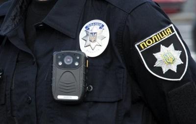 На час службового розслідування поліцейських усунули від виконання обов'язків, вирішується питання про їхнє звільнення з лав поліції.