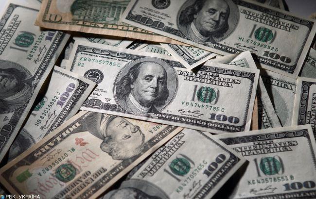 Долар подешевшав ще на 7 копійок.