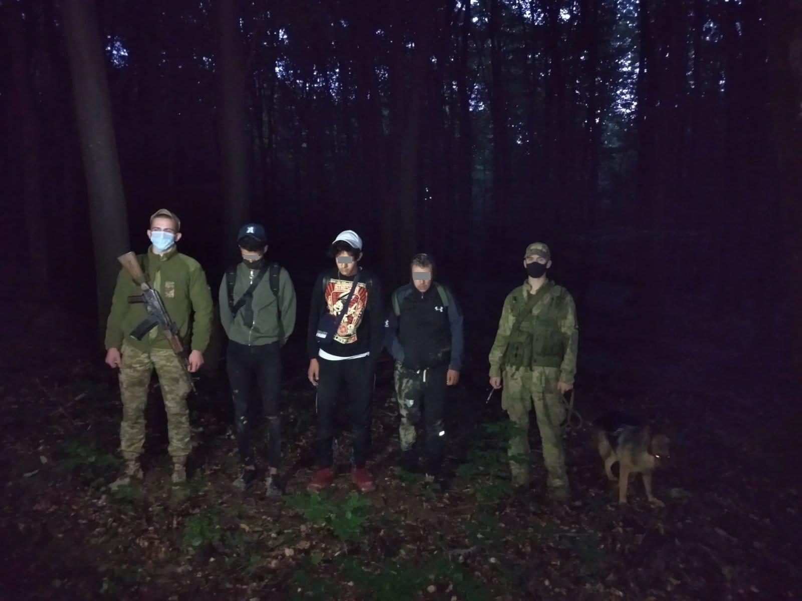 Вночі на Ужгородщині затримани трьох іноземців.