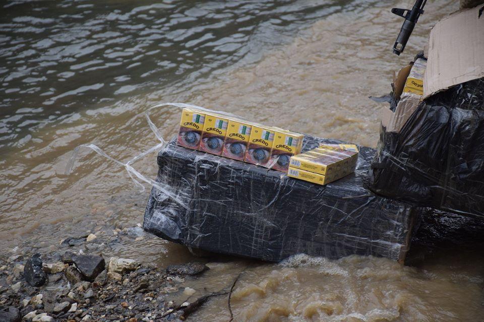Учора ввечері на Закарпатті прикордонники відділення інспекторів прикордонної служби «Вилок», спільно з угорськими колегами припинили спробу переміщення через державний кордон тютюнової контрабанди.