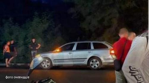 У селищі Великий Березний внаслідок наїзду автомобіля загинув 12-річний хлопчик. За кремом авто був 24-річний працівник Державної прикордонної служби. Йому загрожує до 10 років тюрми.