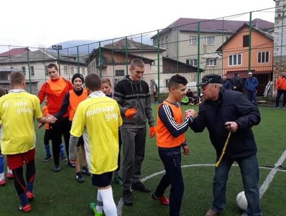 7 листопада в м. Рахові відбувся фінальний турнір з міні-футболу серед юнаків закладів загальної середньої освіти Рахівського району.