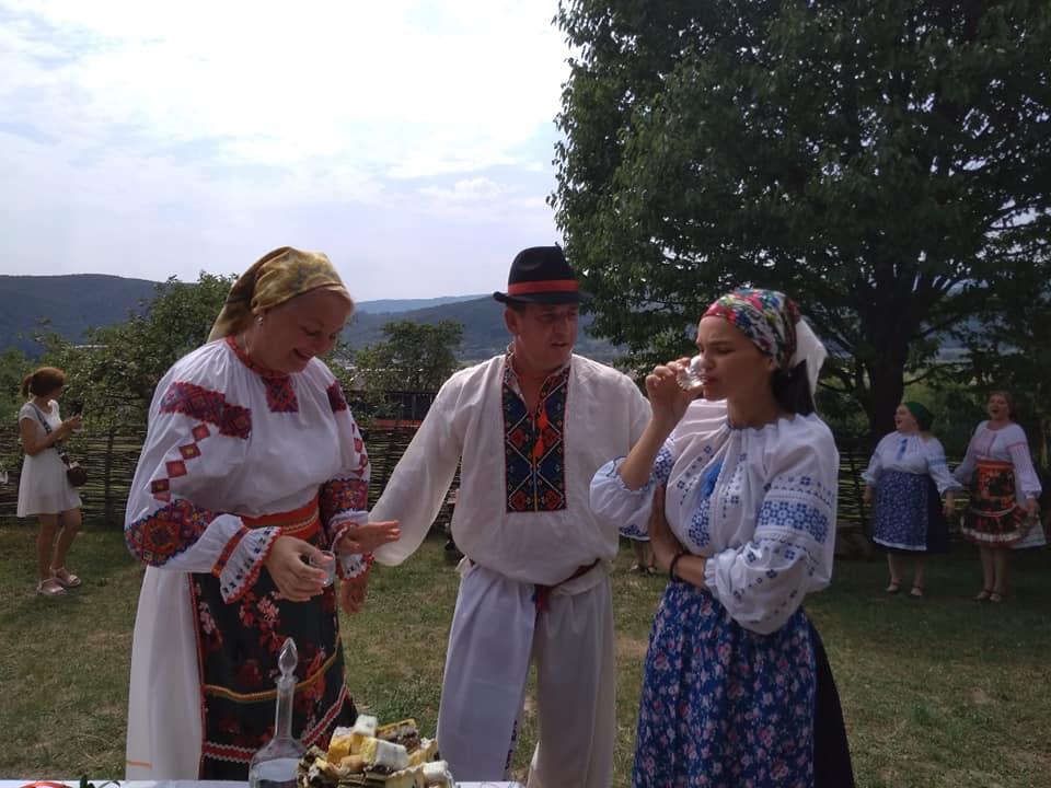 Древние традиции лемковской свадьбы были недавно воссоздана на территории Заричевского этнографического музея «Усадьба Лемковские».