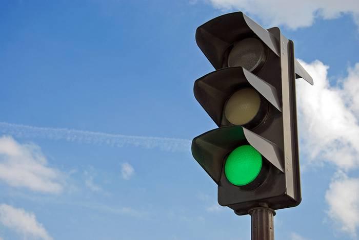 Як правильно організувати дорожній рух на перехресті вулиць Миколи Бобяка та Возз'єднання в Ужгороді, щоб запобігти утворенню заторів, вивчали напередодні на виїзному засіданні члени робочої групи.