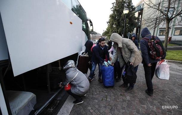 Заблоковані в епіцентрі коронавірусу українці просять їх евакуювати і готові до двотижневого карантину.