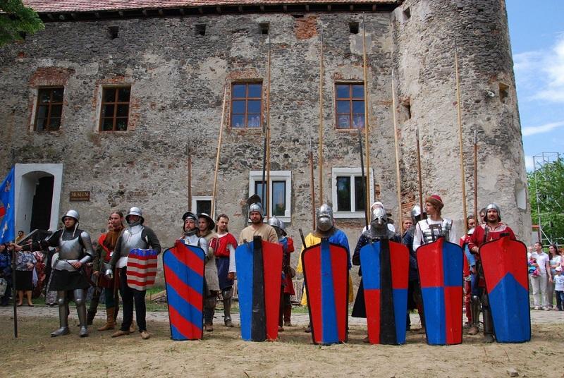 В мережі розповіли історію та легенди замку «Сент-Міклош»