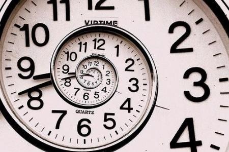 Вчені заявили про ймовірність існування машини часу