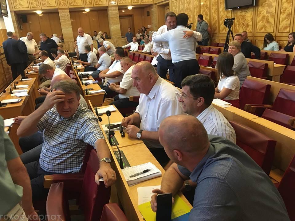 Закарпатські депутати просять кабмін сприяти у вирішенні гострих питань