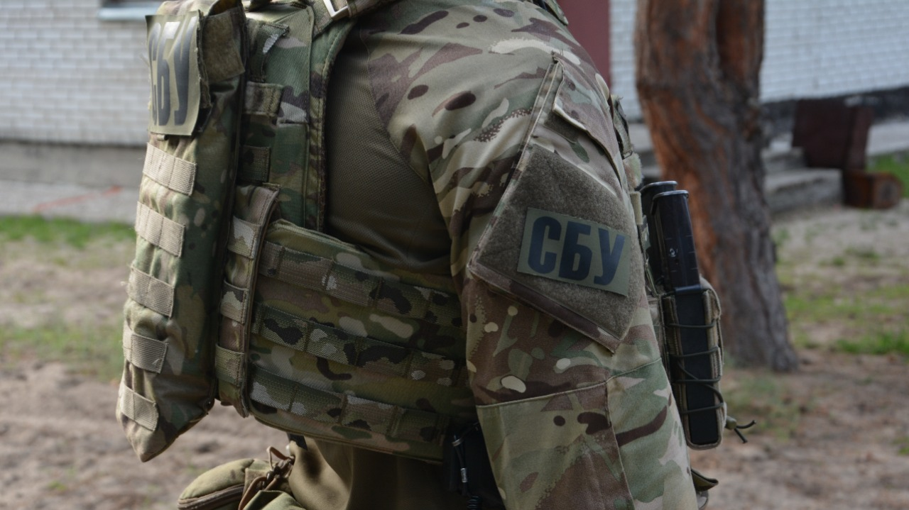 СБУ провела спеціальні антитерористичні навчання у приміщенні Закарпатського апеляційного суду.