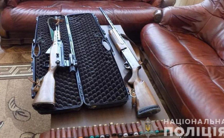 Слідчі Хустського відділу поліції повідомили про підозру в скоєнні ряду злочинів двом жителям смт.Вишково.
