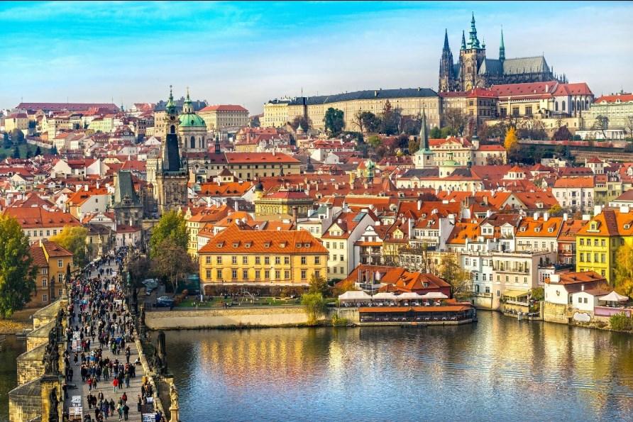 Наразі в Чеській Республіці діє 14-денний обов'язковий карантин.