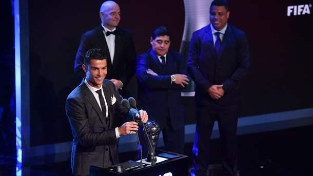 Кращим футболістом року за версією ФІФА визнаний   .... знову Кріштіану Роналду