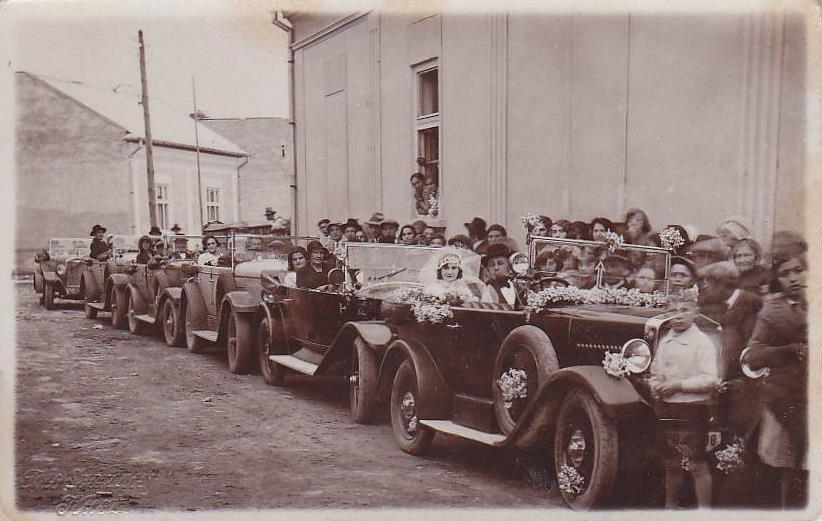 Розкішні весілля на Закарпатті були й майже 100 років тому.