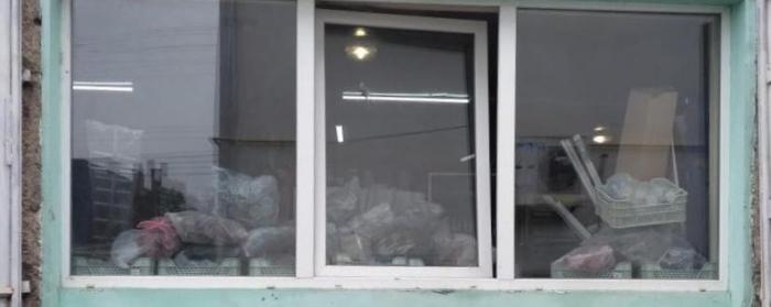 Власник будівельного магазину в селищі Буштино, на Тячівщині, сьогодні, 22 серпня вранці повідомив поліцейських про крадіжку, яку вчинили вночі зі складського приміщення магазину.