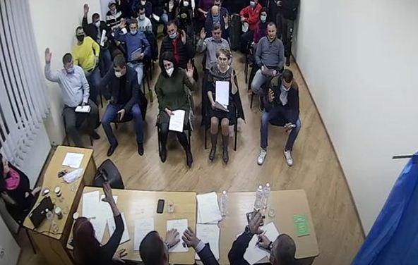 У четвер, 10 грудня, продовжила роботу перша сесія Буштинської селищної ради восьмого скликання.