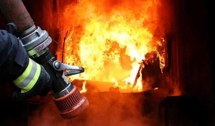 Причина пожежі та збитки встановлюються.