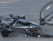 На дорозі із Самбора до Ужгорода легковик збив насмерть жінку на велосипеді