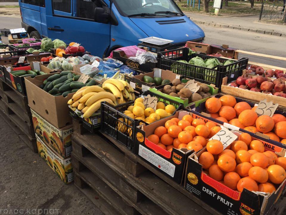 Журналістка «Голосу Карпат» дослідила ціни на продукти на городину на ринках Ужгорода.