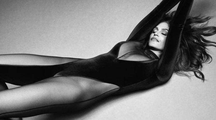 55-річна Сінді Кроуфорд знялася для бразильського Vogue.