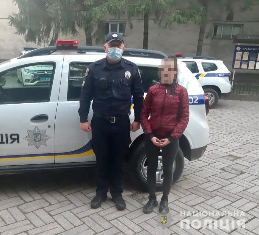 Протягом вчорашнього вечора поліцейські Закарпаття повернули додому двох підлітків.