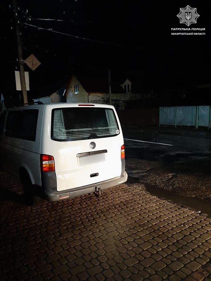 Сьогодні вночі мукачівські патрульні отримали повідомлення про крадіжку транспортного засобу.