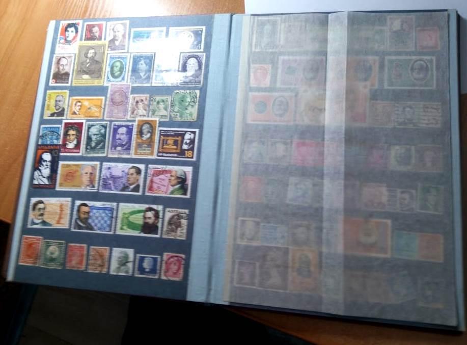 5 альбомів  та 3 коробки з поштовими марками радянських часів намагався перевезти через українсько-румунський кордон без декларування та дозвільних документів закарпатський пенсіонер, що живе у Празі.