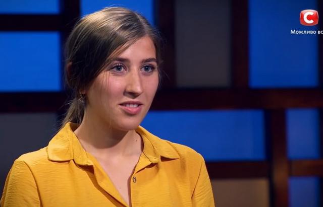 У відомому кулінарному шоу країни цього року взяла участь 23-річна закарпатка Яна Балог. Відомо, що дівчина нещодавно отримала диплом лікаря.