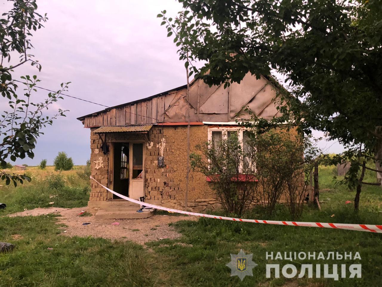 В селе Большая Добронь Ужгородского района от полученных телесных повреждений скончалась женщина, мать пятерых деток. По данному факту полиция начала уголовное производство.