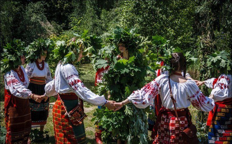 У селах Перечинщини і по сьогодні збереглися віддавні традиції на Русаля.