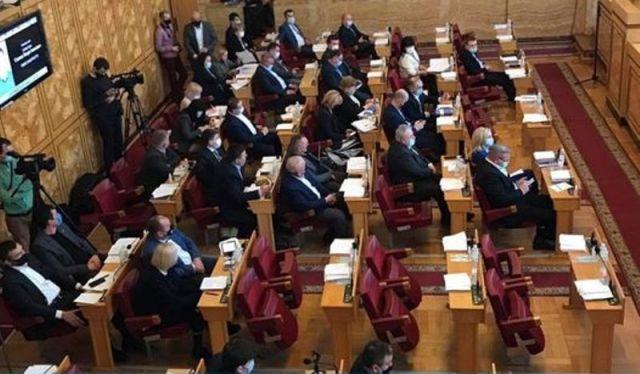 Депутати фракції висловили стурбованість ситуацією, що склалась в обласній раді.