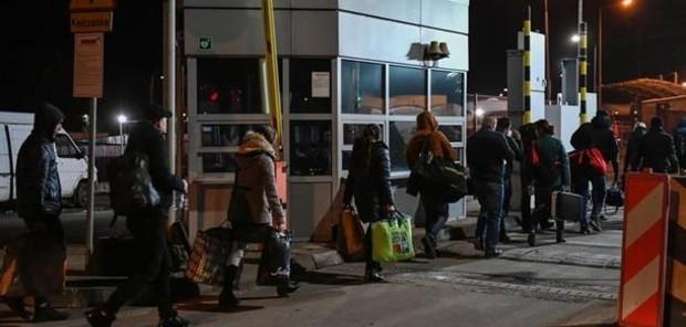 780 з них – українці, 20 – особи, що мають дозвіл на перебування в країні.