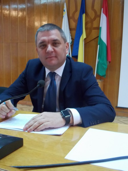 На цю посаду в Офіс Президента України надійшло понад 20 онлайн-заявок, причому не лише з Берегівщини та сусідніх районів області, а й сусідніх регіонів та столиці.