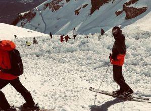 У Швейцарії лавина накрила групу туристів