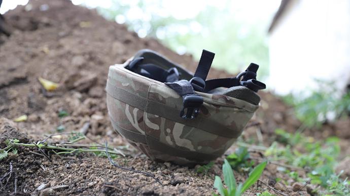 У суботу в районі населеного пункту Мар'їнка троє українських військових підірвалися на вибуховому пристрої, двоє з них загинули і один постраждав.