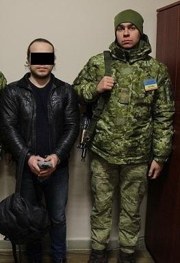 Учора ввечері в пункті пропуску «Тиса» прикордонний наряд затримав 25-річного громадянина Російської Федерації, який перебуває у міжнародному розшуку за скоєння кримінального злочину.
