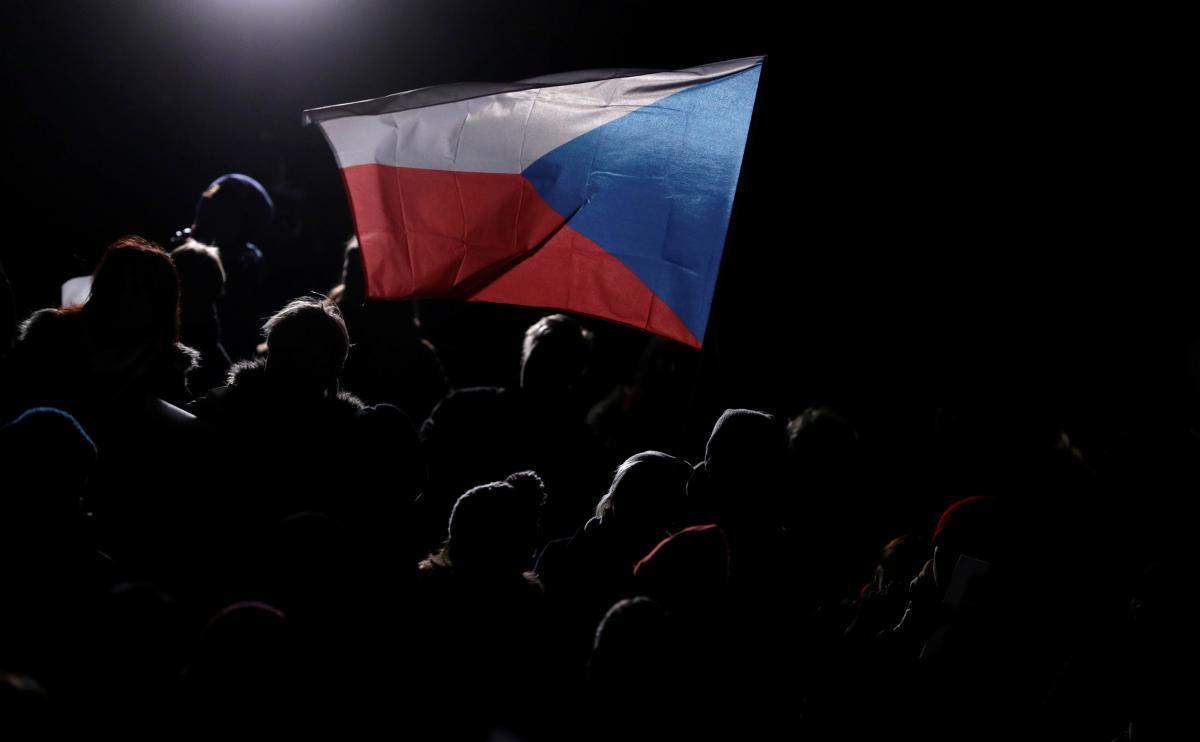 Чеські диппредставництва в Україні відновили роботу консульських відділів, спрямовану на видачу робочих віз українцям.
