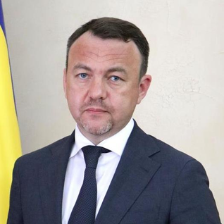 Про своє рішення повідомив очільник Закарпатської ОДА Олексій Петров.