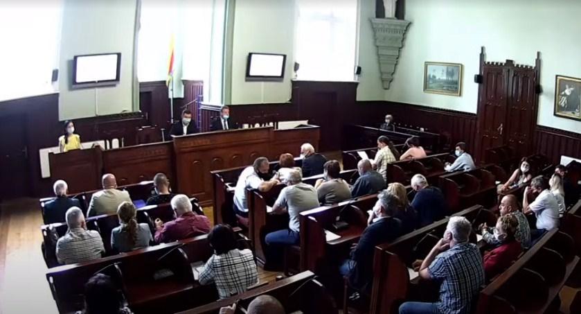 Мукачівські депутати на сьогоднішній позачерговій сесії прийняли рішення щодо реорганізації шляхом злиття двох мистецьких шкіл.