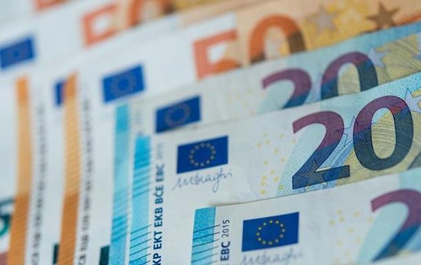 Мэры Варшавы и Будапешта призвали свои национальные правительства уступить в споре о бюджете ЕС. Ранее Польша и Венгрия заблокировали бюджет ЕС.