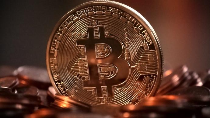 За останню добу курс Bitcoin перевищив позначку в 12 тисяч доларів - вперше з серпня 2019 року.