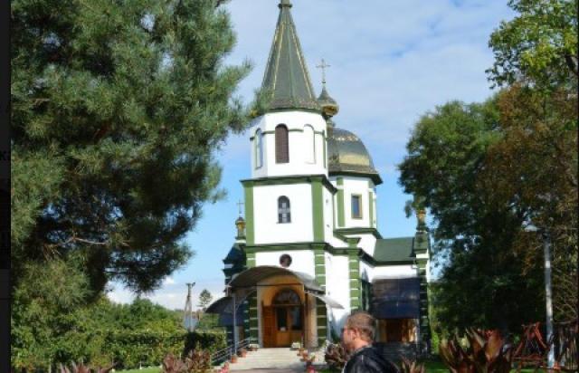 Об отмене богослужения сообщил городской голова Береговая Золтан Бабяк.