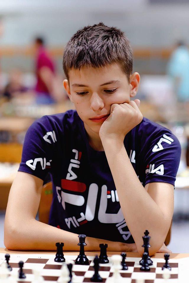 У Братиславі (столиця Словаччини) проходив Чемпіонат Європи з класичних шахів.