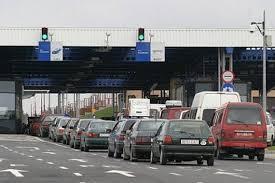 Загалом на кордонах в чергах стоять 160 транспортних засоба.