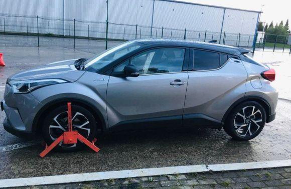 Автомобілем «Тойота» 2017 року випуску через пункт пропуску «Краківець» намагався в'їхати в Україну 40 річний громадянин Республіки Польща.