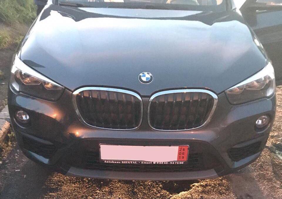 На митному посту «Ужгород» працівники Закарпатської митниці ДФС припинили ввезення  в Україну «BMW X1» з неправдивими документами.